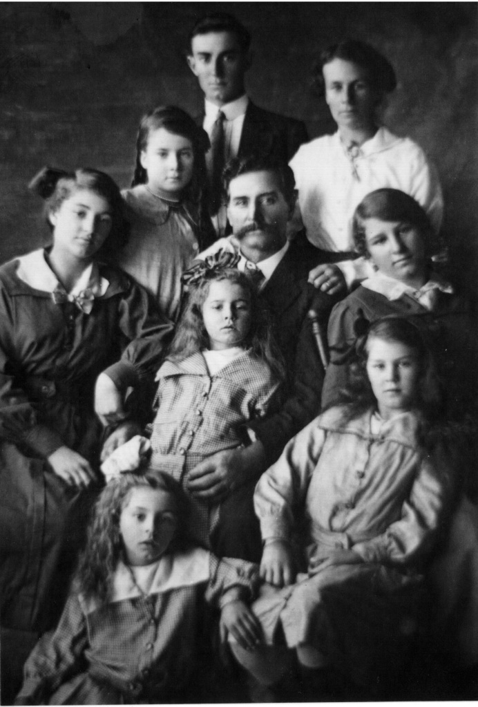 Hapgood family Kin Kin 1915
