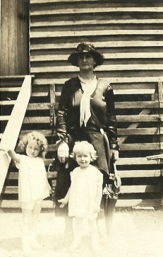 Mary Alice Whittington and her grandchildren (Martin)