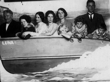 Luna Park 1930 Mr White & Me & Mrs White & Jess & Dorrie Waddell & Joan White & Seddy & Jean & George